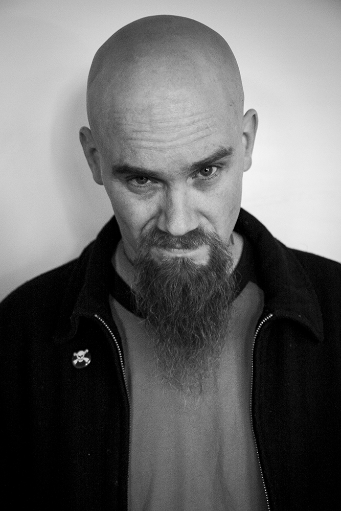 Nick Oliveri (Kyuss, Queens of the Stone Age, Dwarves, Mondo Generator) 2011